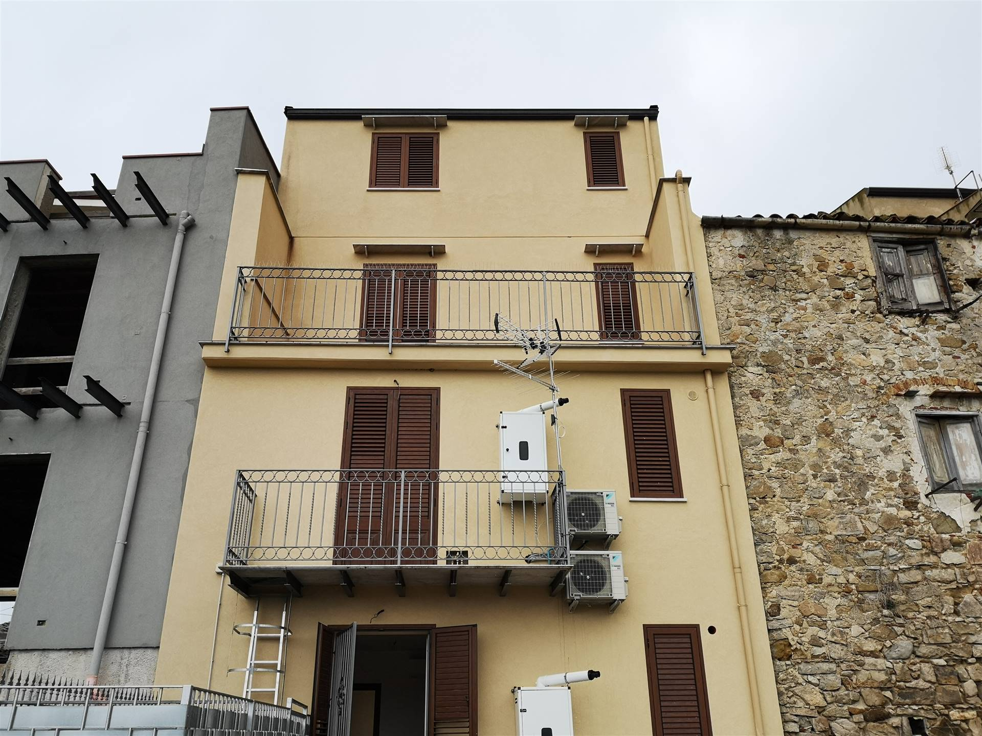 CACCAMO, Apartment for rent of 50 Sq. mt., Restored, Heating Individual heating system, Energetic class: G, Epi: 137,8 kwh/m2 year, composed by: 3