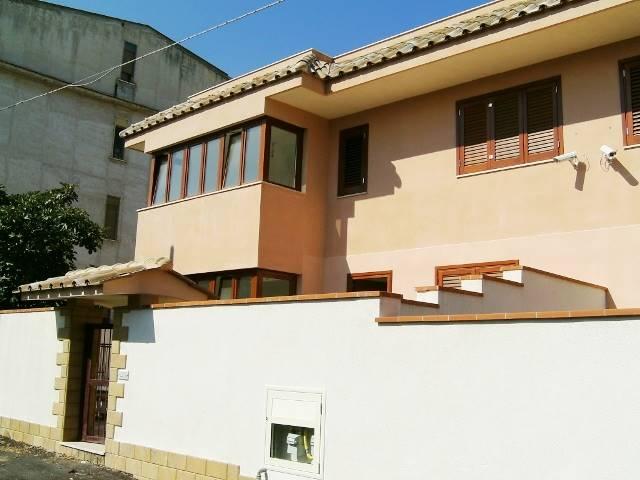 Villa in Via Arici 4, Palermo