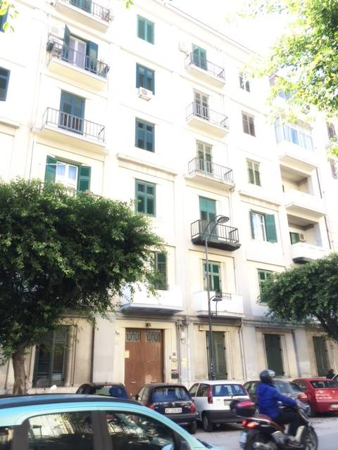 Appartamento in Via Sammartino 122, Palermo