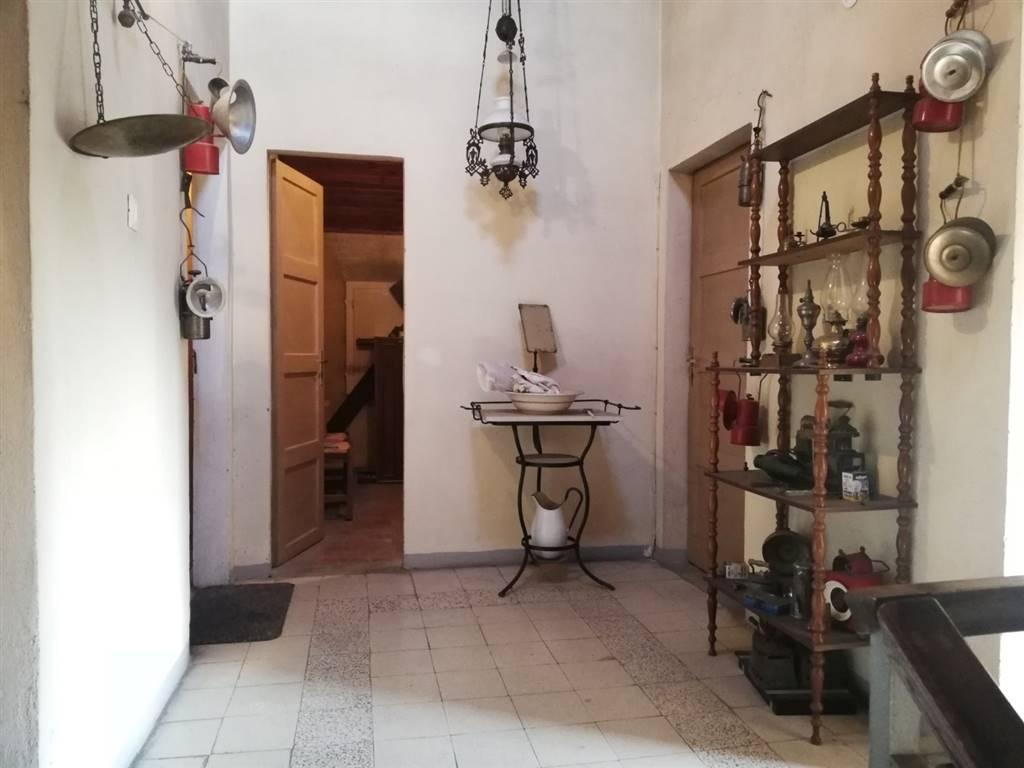 Villa a schiera, Albareto, Modena