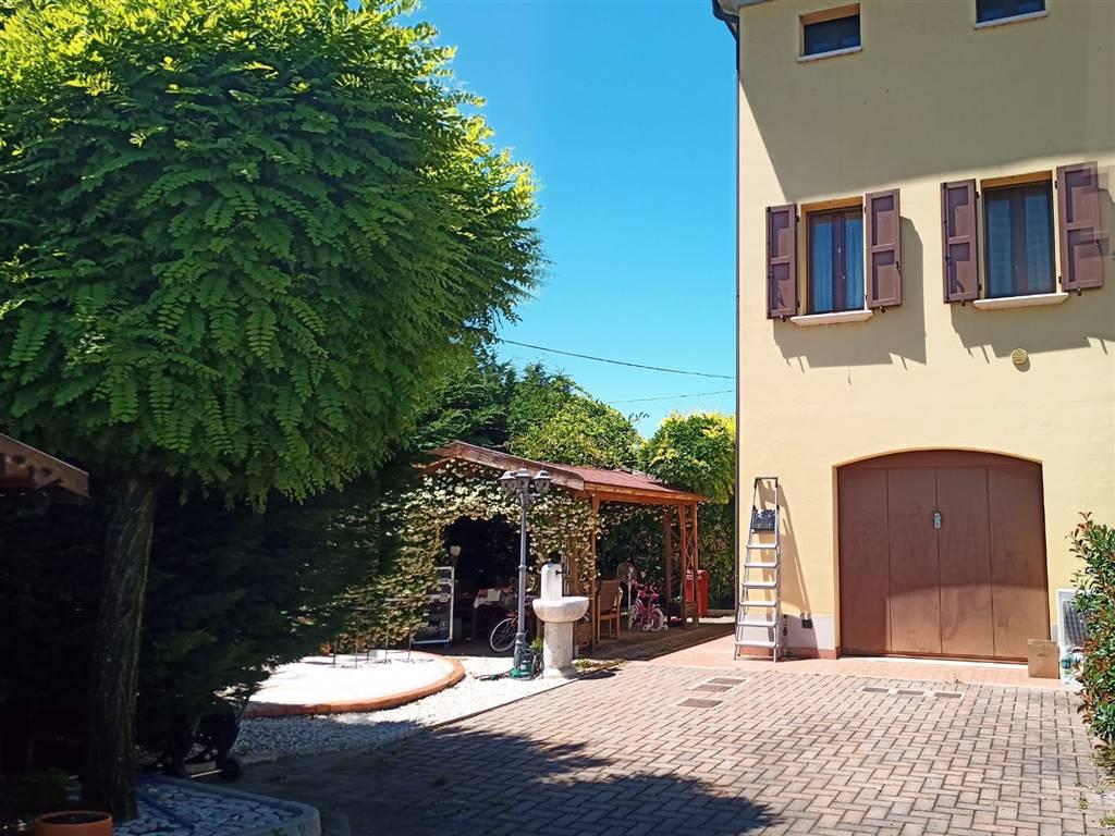 Villa, Campogalliano, seminuova