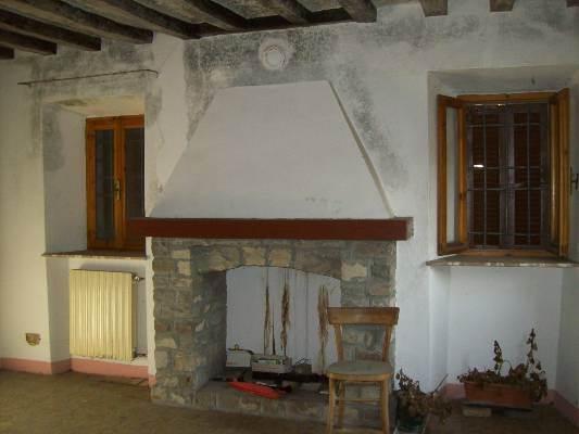 Casa singola, Piozzano, da ristrutturare