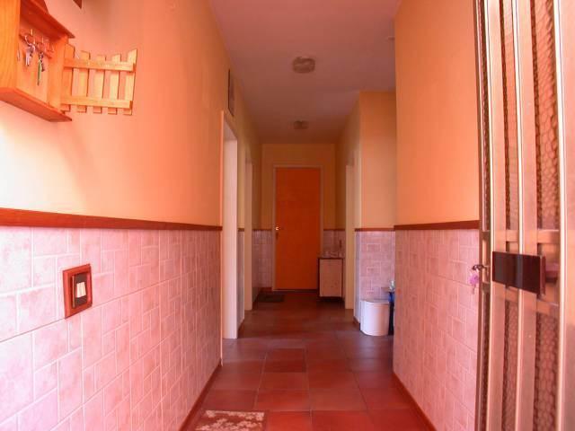 Trilocale, Pantano, Pesaro, da ristrutturare