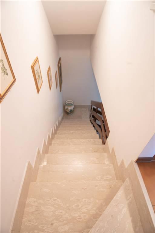 scalinata interno casa