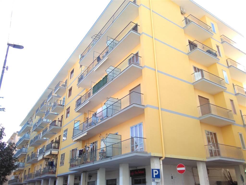 Appartamento in vendita a Cava de' Tirreni, 3 locali, prezzo € 200.000 | CambioCasa.it