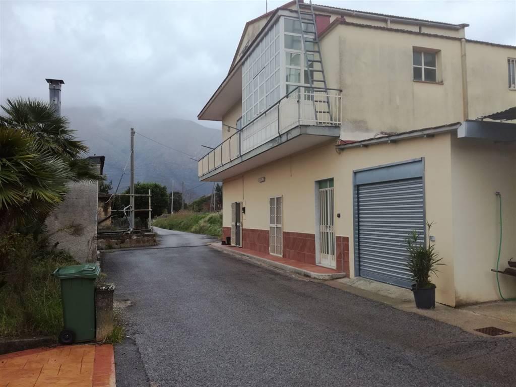 Villa in vendita a Nocera Superiore, 3 locali, prezzo € 165.000   CambioCasa.it
