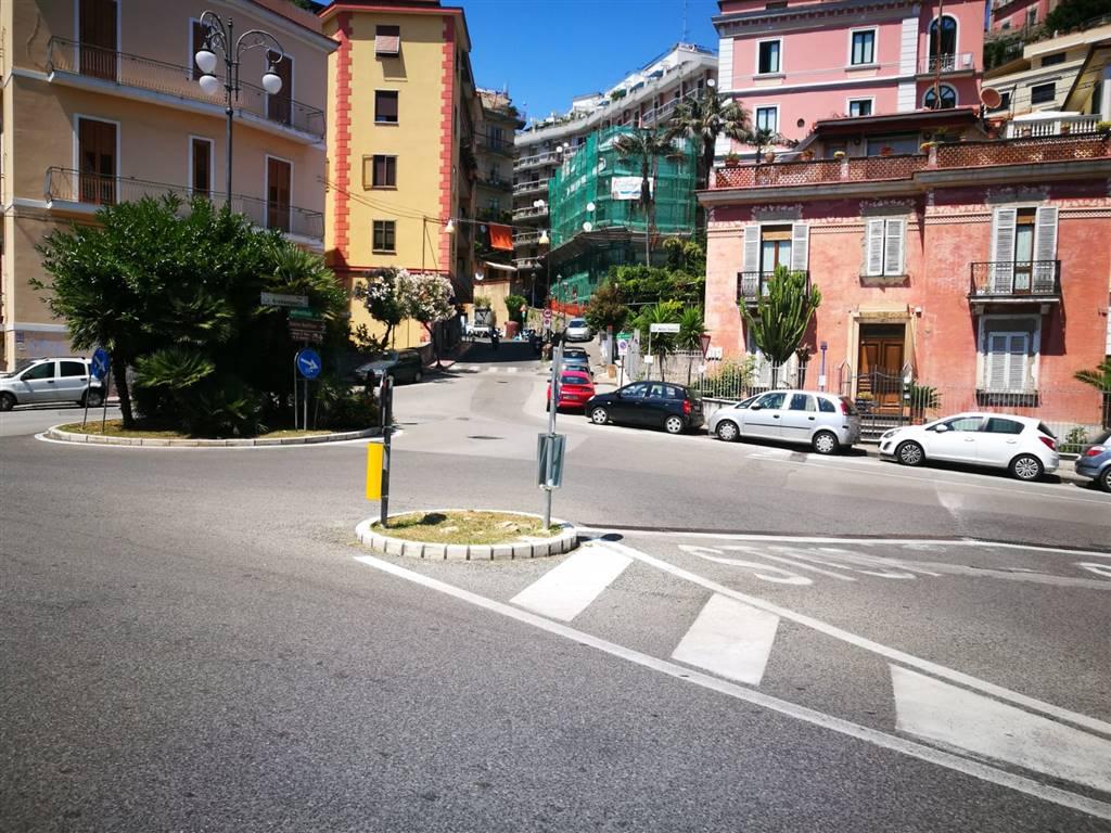 Magazzino in vendita a Salerno, 9999 locali, zona Località: VERNIERI, prezzo € 115.000 | CambioCasa.it