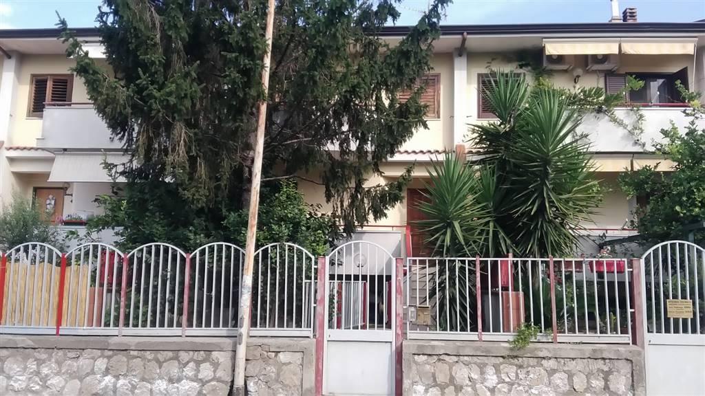 Appartamento in vendita a Nocera Superiore, 4 locali, prezzo € 280.000   CambioCasa.it