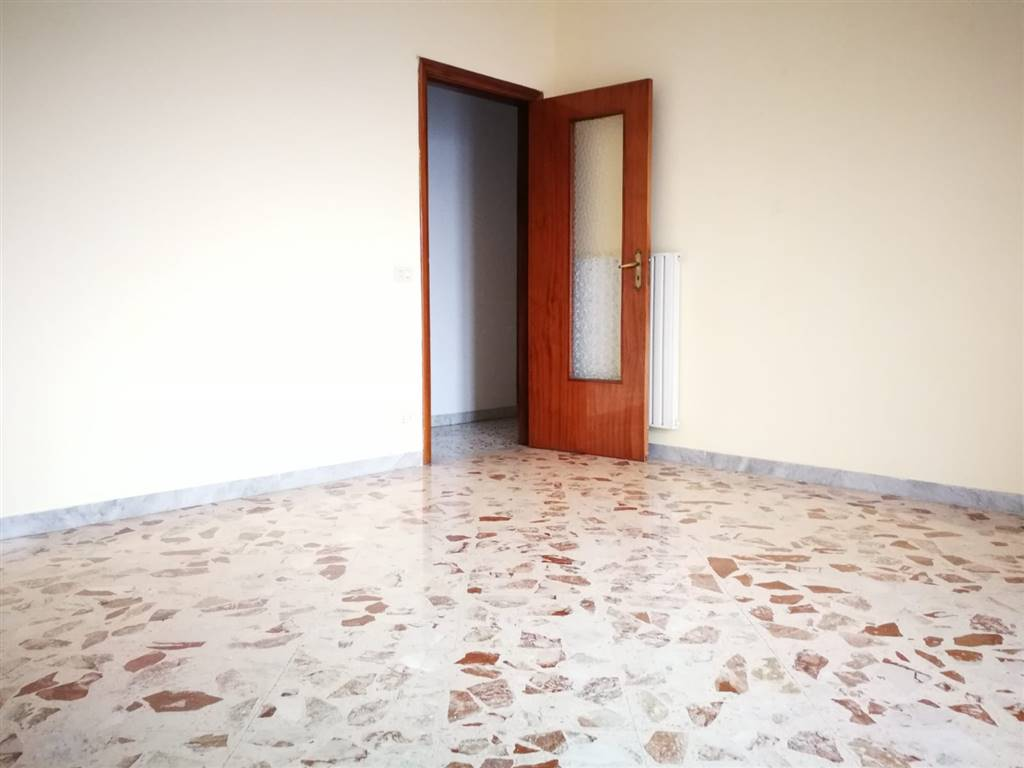 Appartamento in vendita a Nocera Superiore, 4 locali, prezzo € 130.000   CambioCasa.it