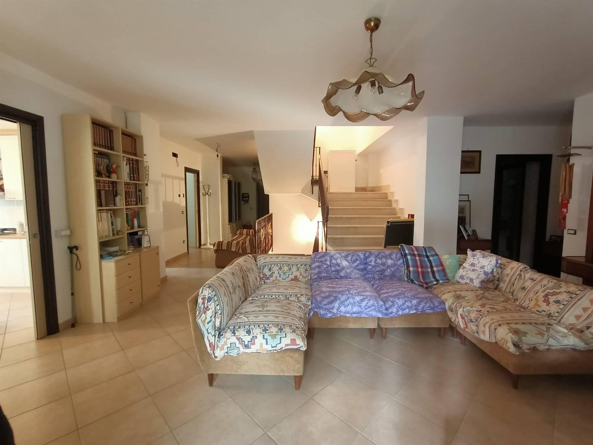 Appartamento in vendita a Giffoni Sei Casali, 6 locali, prezzo € 550.000   PortaleAgenzieImmobiliari.it