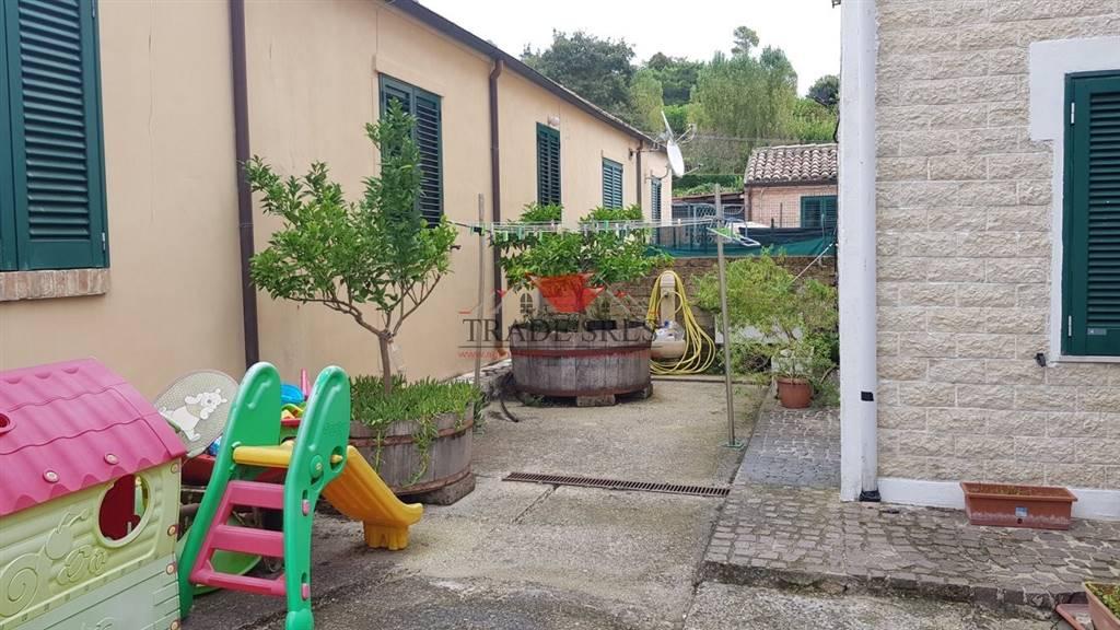 Quadrilocale, Passo Varano, Ancona, in ottime condizioni