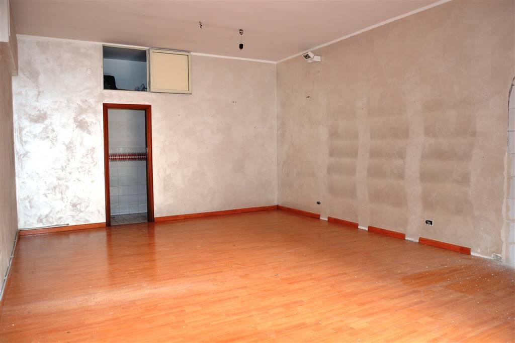 Negozio / Locale in affitto a Baronissi, 1 locali, prezzo € 500   CambioCasa.it