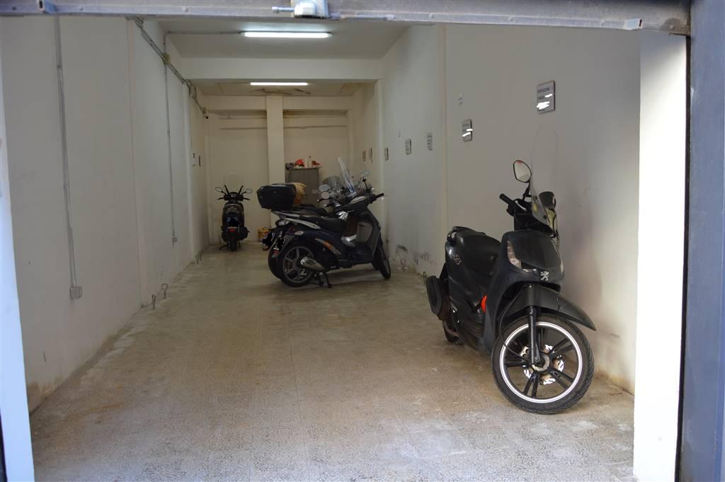 Box / Garage in vendita a Salerno, 1 locali, zona Zona: Pastena, prezzo € 69.000 | CambioCasa.it