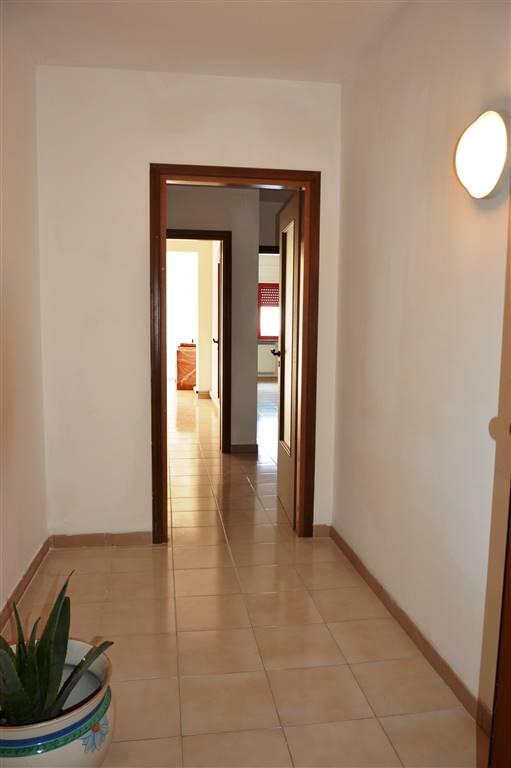 Ufficio / Studio in affitto a Salerno, 2 locali, zona Zona: Pastena, prezzo € 700 | CambioCasa.it
