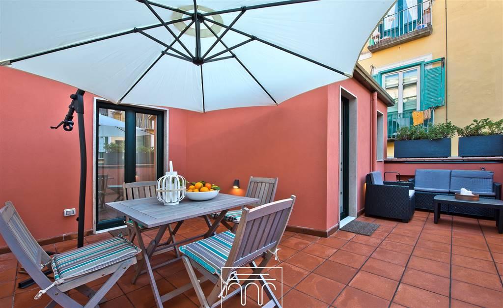 Appartamento in affitto a Salerno, 3 locali, zona Zona: Centro, prezzo € 1.200   CambioCasa.it