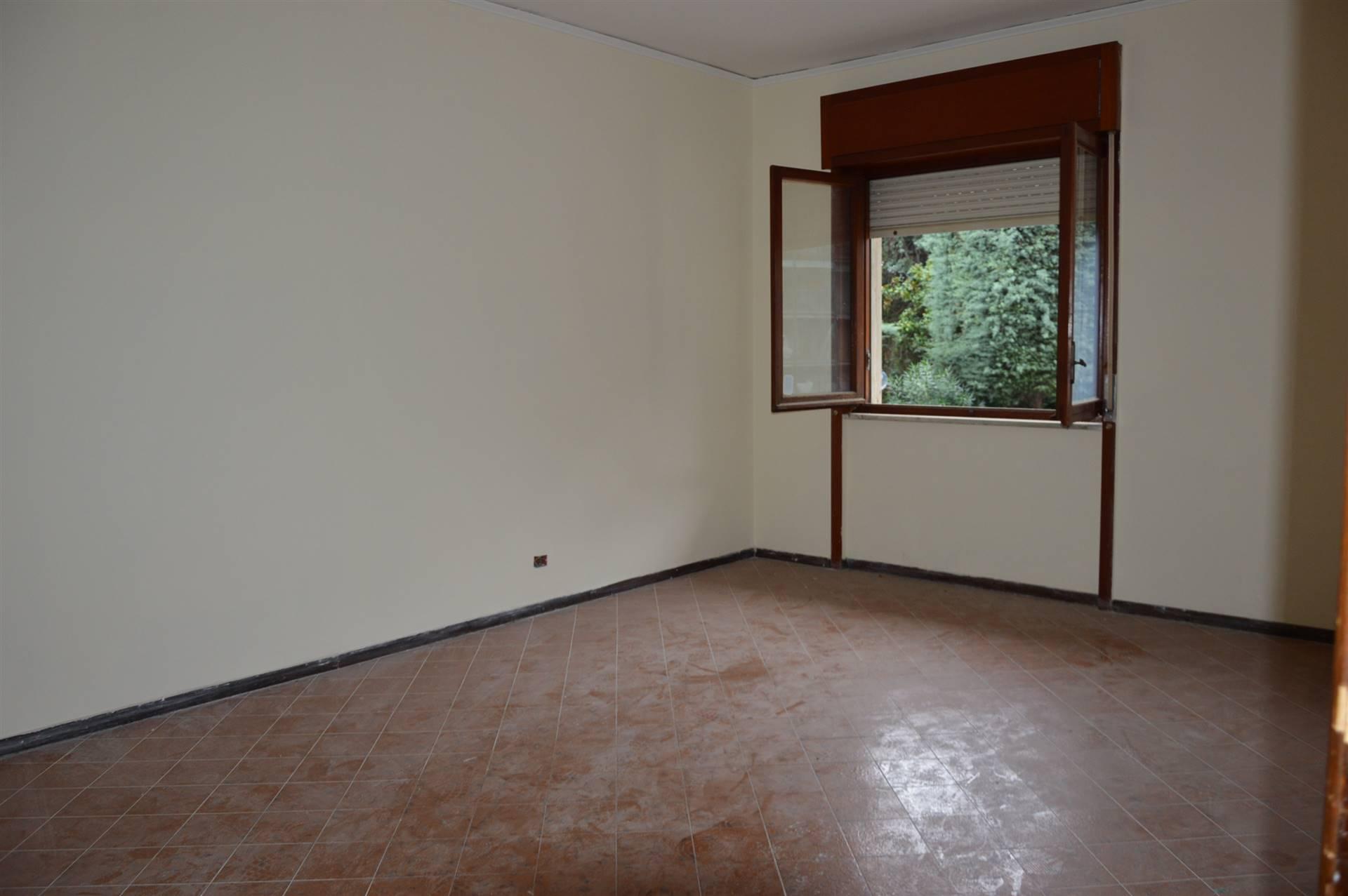 Appartamento in vendita a Pontecagnano Faiano, 4 locali, zona Località: SANTANTONIO A PICENZA, prezzo € 115.000 | CambioCasa.it