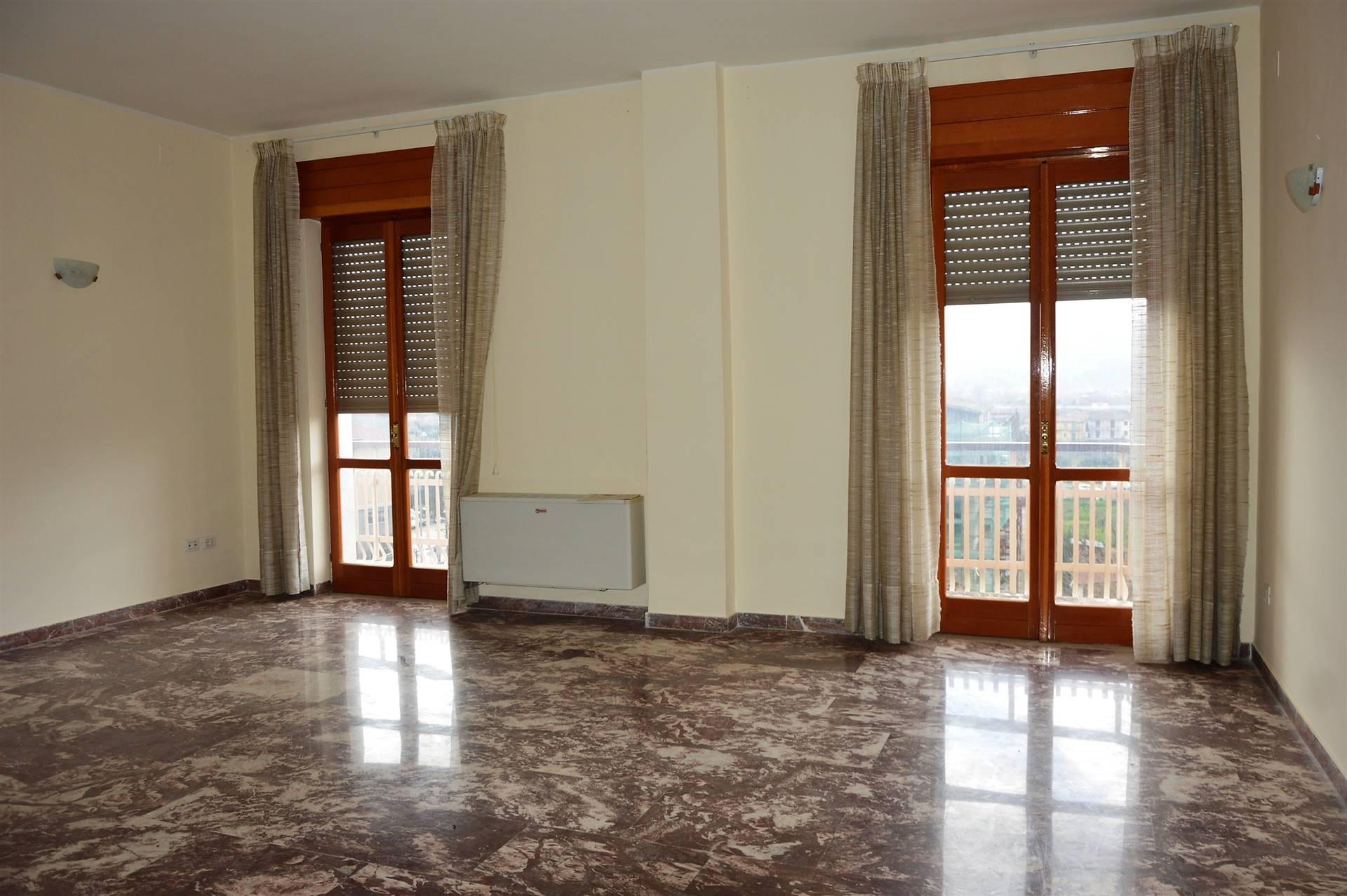 Appartamento in vendita a Sala Consilina, 5 locali, zona Località: TRINITA, prezzo € 65.000 | CambioCasa.it