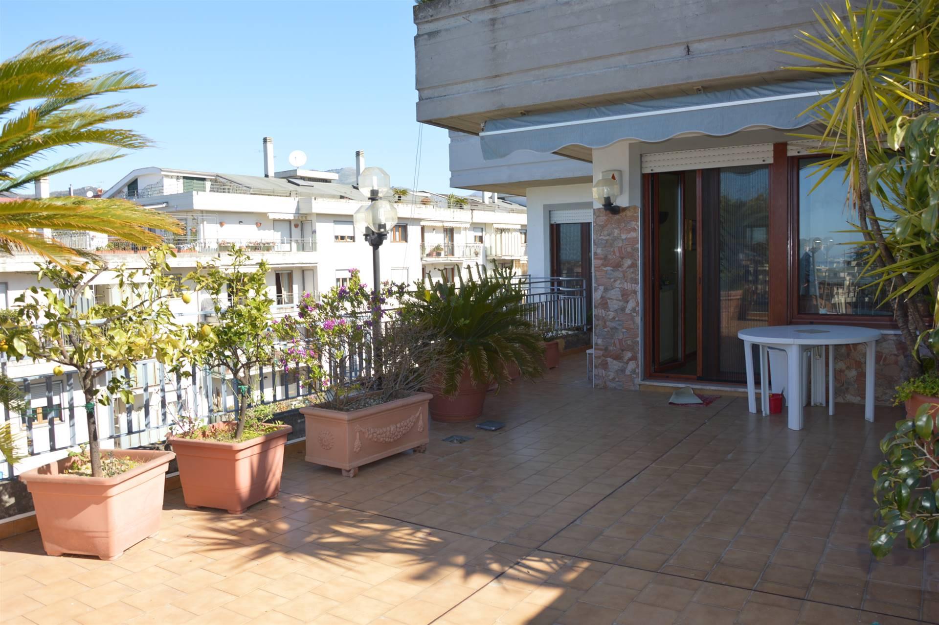 Appartamento in vendita a Salerno, 6 locali, zona Località: ARBOSTELLA, prezzo € 445.000 | PortaleAgenzieImmobiliari.it