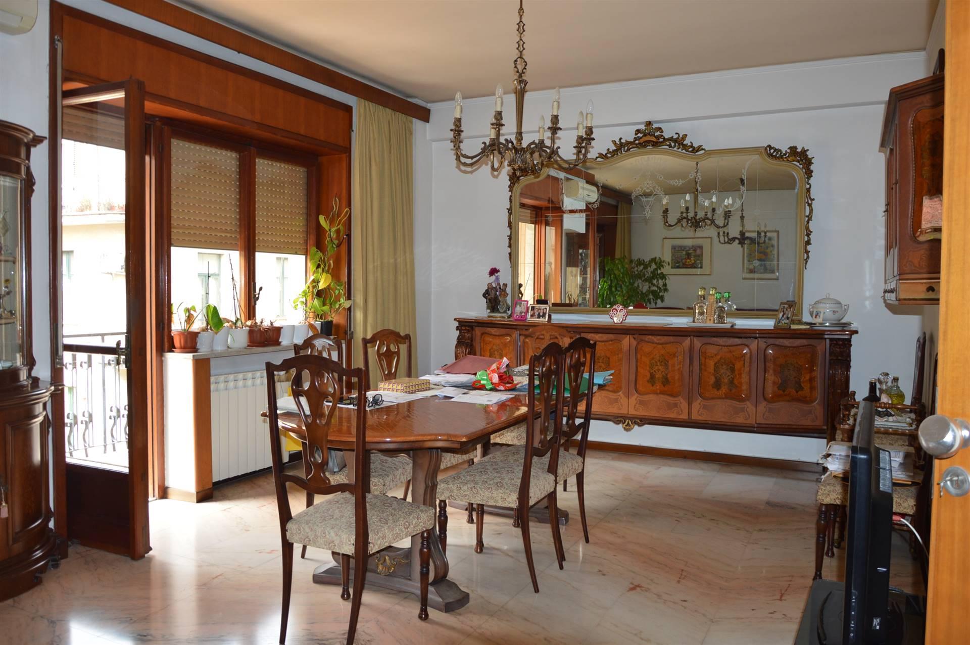 Appartamento in vendita a Salerno, 6 locali, zona Zona: Carmine, prezzo € 680.000   CambioCasa.it