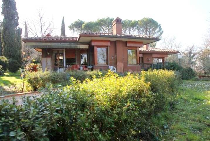 MARIGNOLLE, FIRENZE, Villa for sale of 350 Sq. mt., Good condition, Heating Individual heating system, Energetic class: G, Epi: 999 kwh/m2 year,