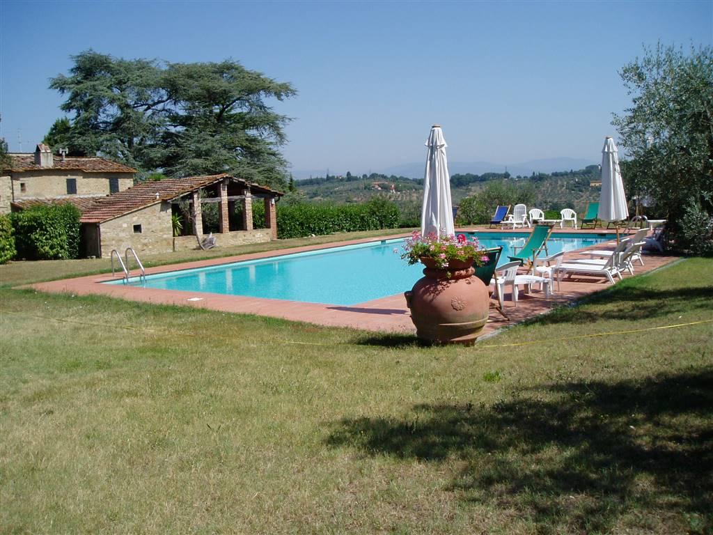 Bagnolo/Impruneta, in bellissima posizione sulle colline fiorentine, affittasi villa con piscina. 3 camere da letto, 3 bagni, disponibile da Febbraio