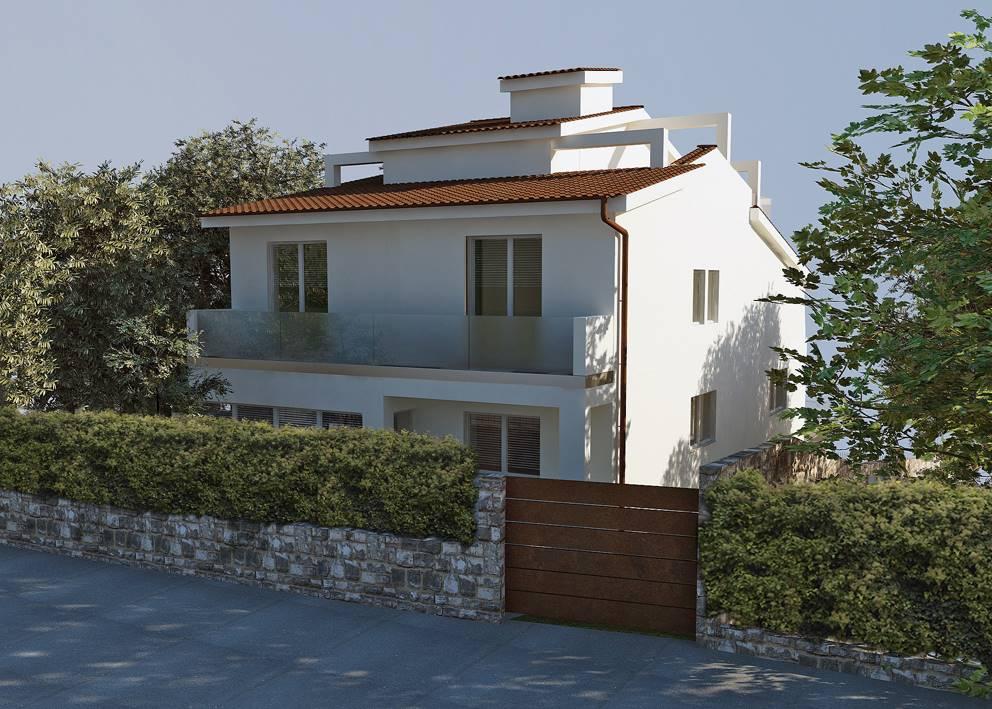 Alle pendici di Porta Romana in strada tranquilla villa con vista panoramica sulla città di circa mq 500 con giardino privato. L'immobile è oggetto