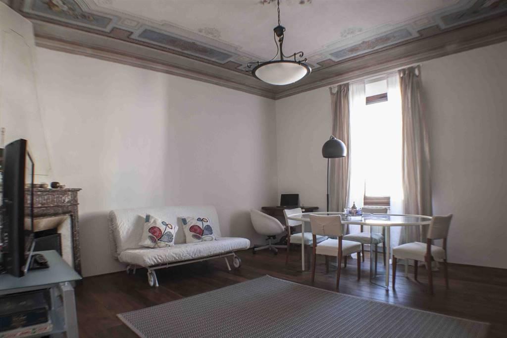 SAN FREDIANO, FIRENZE, Appartamento in affitto di 100 Mq, Classe energetica: G, posto al piano 1°, composto da: 4 Vani, Cucina Abitabile, 2 Camere, 2
