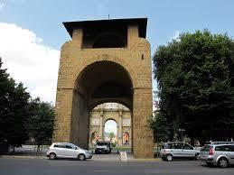Una delle più ampie vie del Centro Storico di Firenze . In questi ultimi anni la via si è trasformata radicalmente. Oggi offre botteghe di commercio