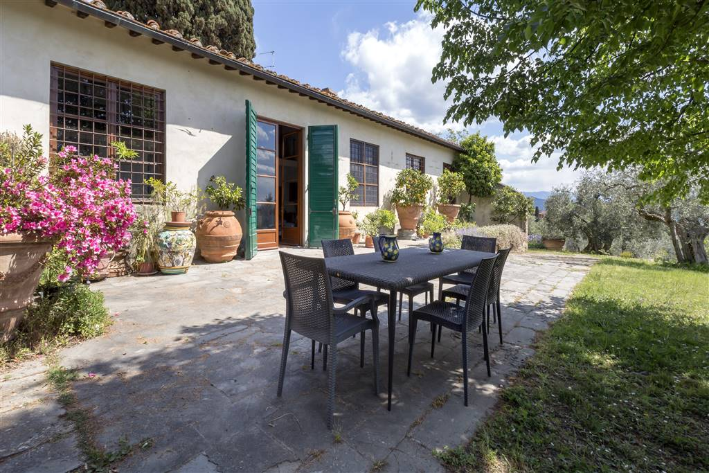 PIAN DEI GIULLARI, FIRENZE, Small villa for sale of 314 Sq. mt., Good condition, Heating Individual heating system, Energetic class: G, placed at