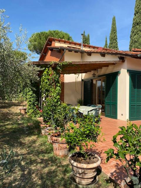 GALLUZZO, FIRENZE, Apartment for sale, Habitable, Heating Individual heating system, Energetic class: G, placed at Ground on 2, composed by: 9 Rooms,
