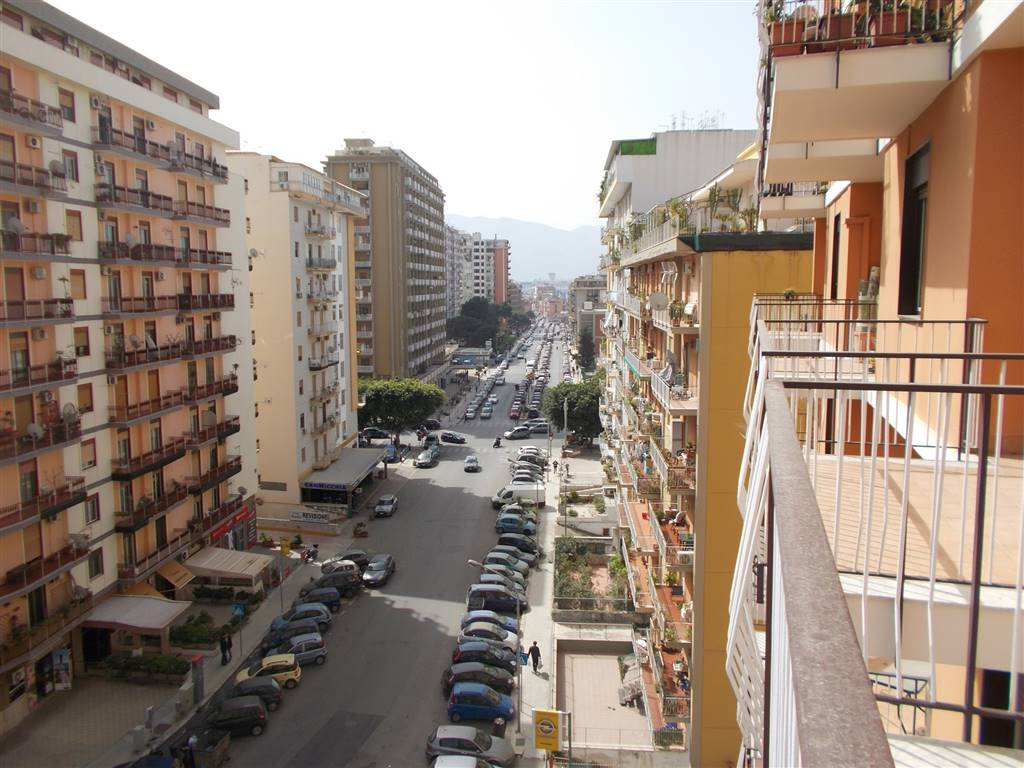 Quadrilocale, Palermo