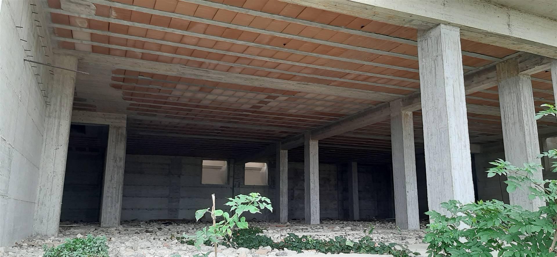 Foto piano interrato garage