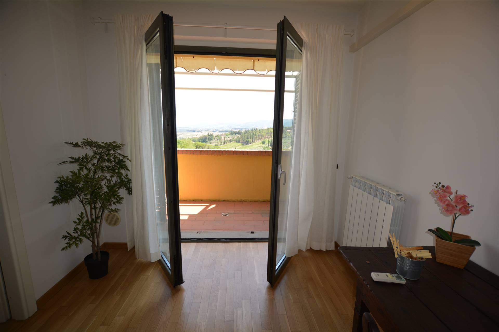 Porta finestra con accesso terrazza