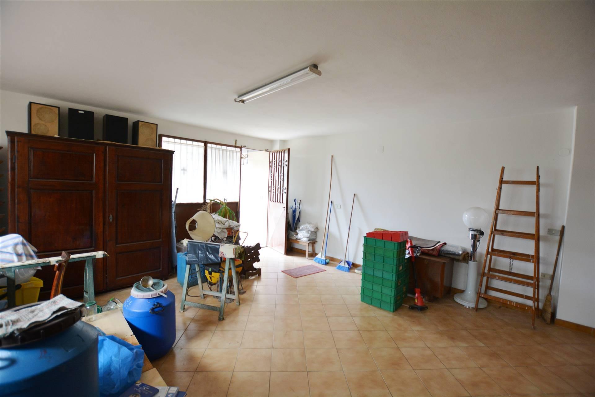 Garage, attualmente allestito a taverna