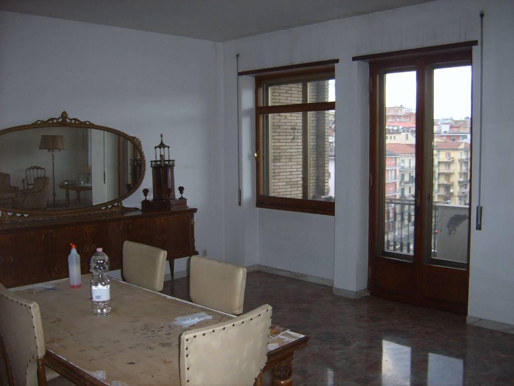 Appartamento in Via Carlo Del Balzo, Centro, Avellino