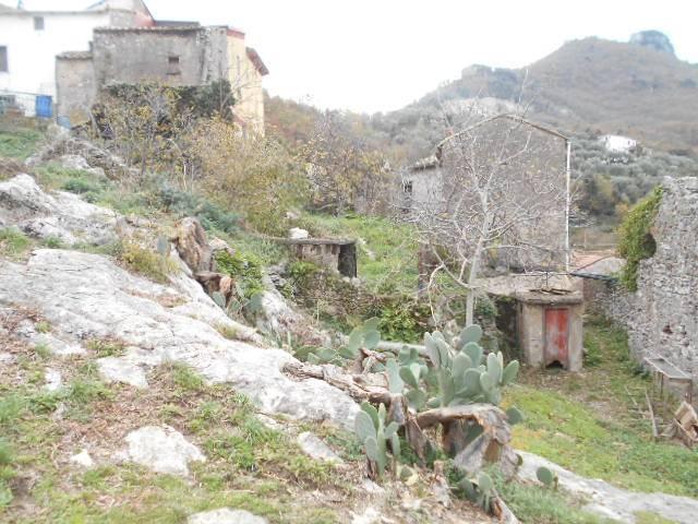 Quadrilocale, Salitto, Olevano Sul Tusciano, da ristrutturare