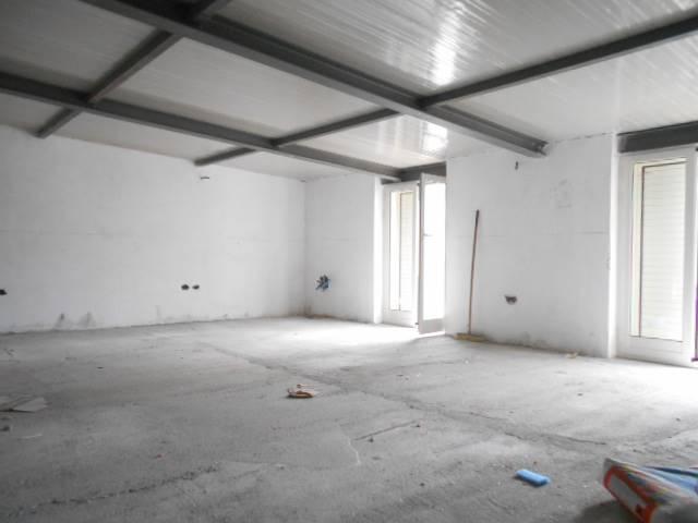 Vendita monolocale battipaglia quarto piano rif ri for Monolocale salerno affitto arredato