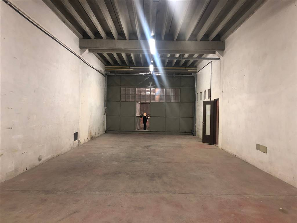 PORRA, VENTIMIGLIA, Warehouse for rent of 100 Sq. mt., Energetic class: Not subject, composed by: , 1 Bathroom, Price: € 550