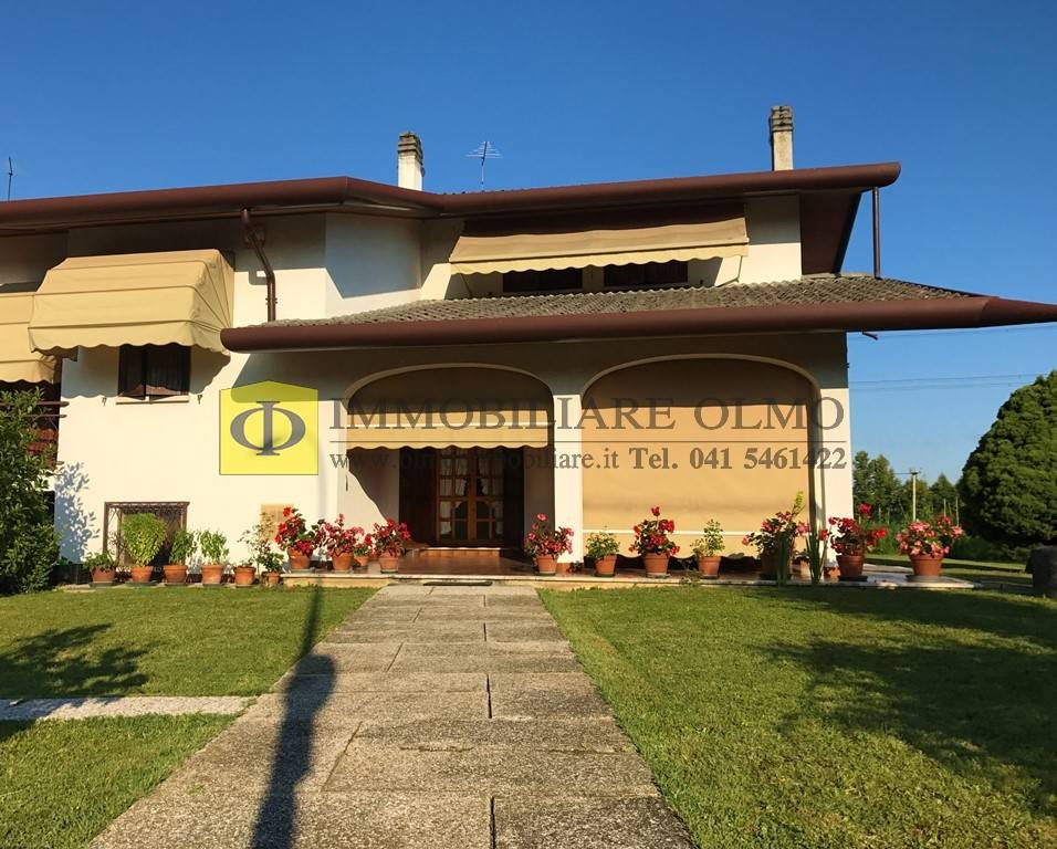 Villa Bifamiliare in vendita a Salzano, 5 locali, prezzo € 238.000 | CambioCasa.it