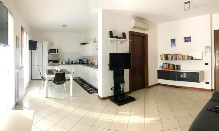 Appartamento in vendita a Santa Maria di Sala, 3 locali, zona Zona: Sant'Angelo di Sala, prezzo € 149.000 | CambioCasa.it