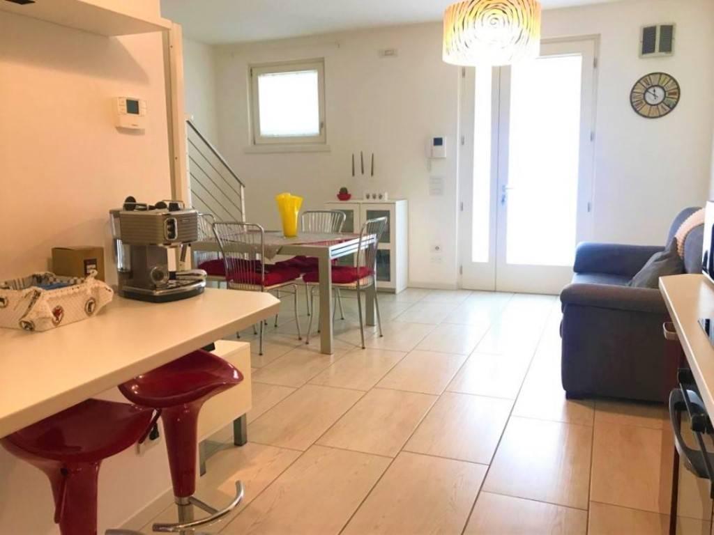 Villa a Schiera in vendita a Salzano, 4 locali, prezzo € 229.000 | CambioCasa.it