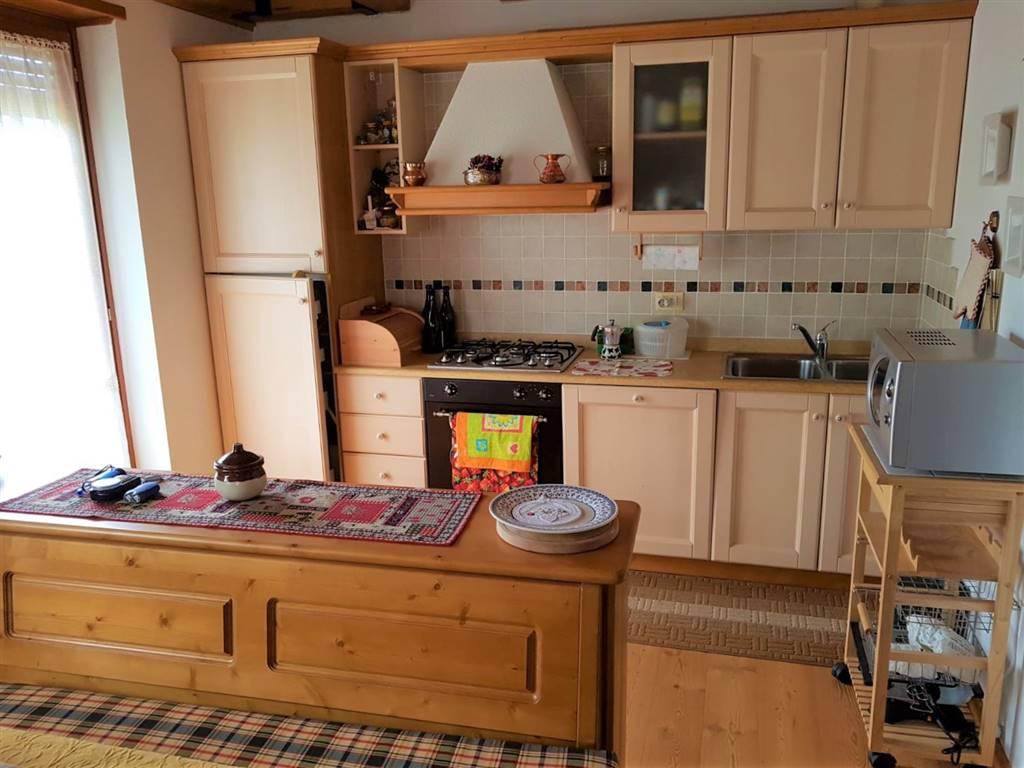 Appartamento in vendita a Roana, 3 locali, zona Zona: Cesuna, prezzo € 160.000 | CambioCasa.it