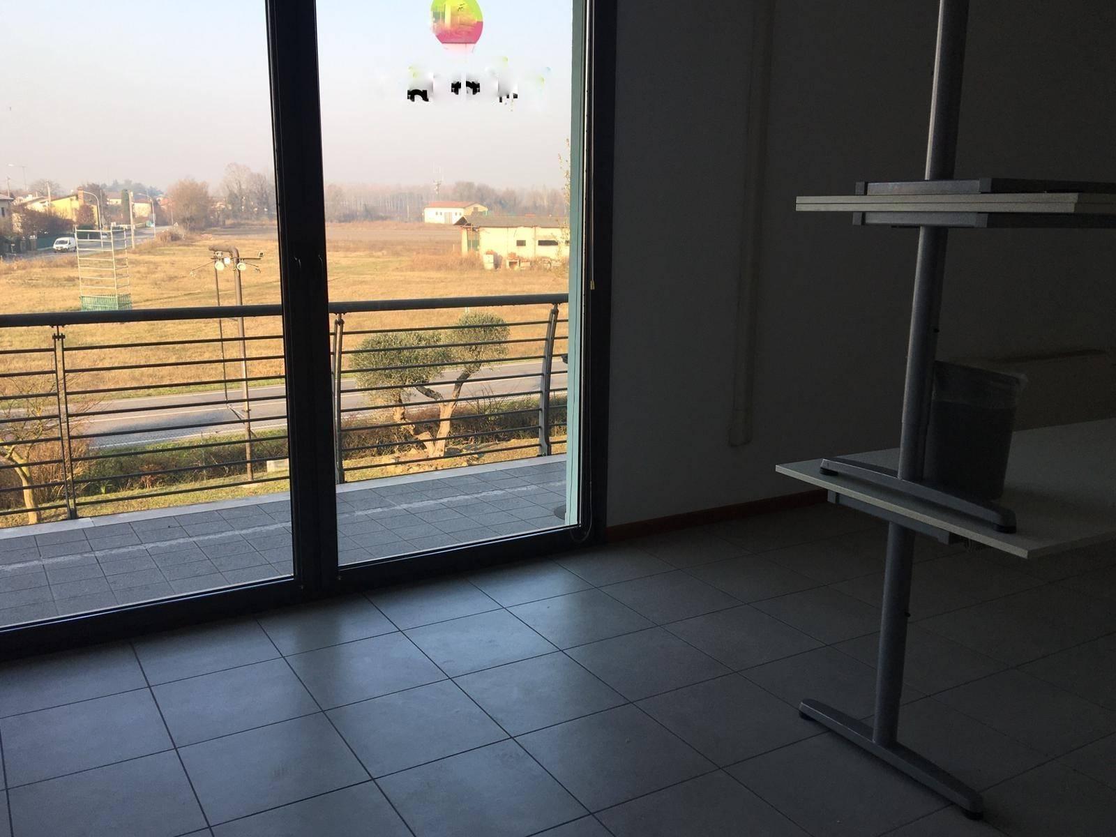 Ufficio / Studio in affitto a Martellago, 5 locali, zona Zona: Maerne, prezzo € 1.300 | CambioCasa.it