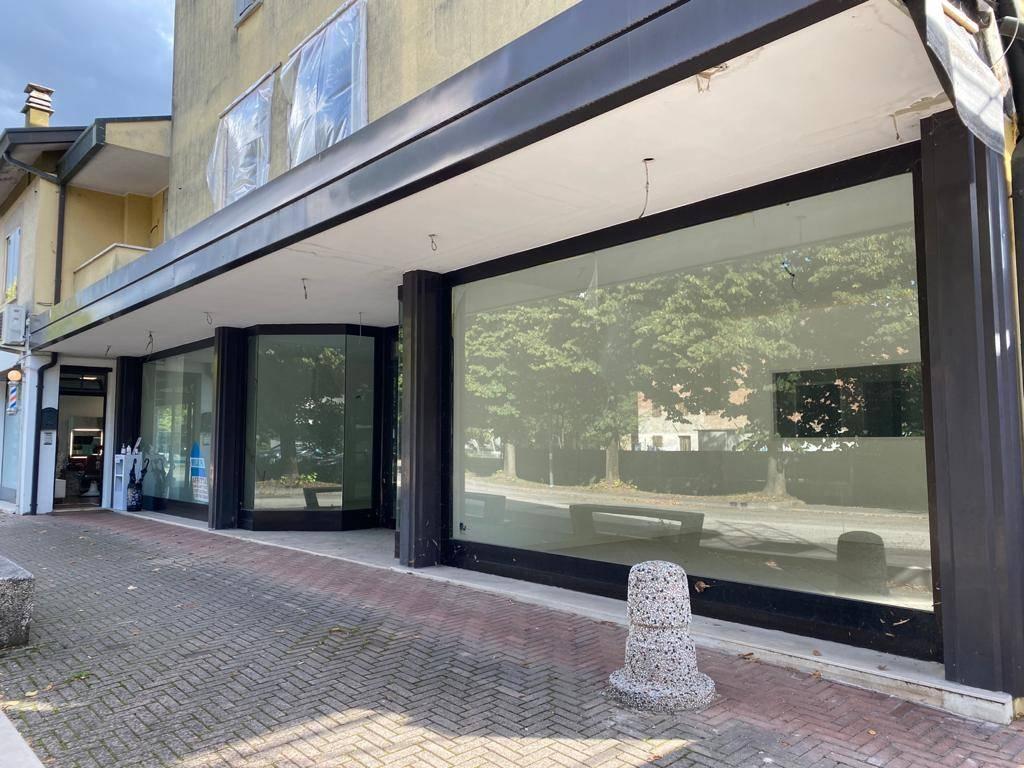Attività / Licenza in affitto a Noale, 4 locali, prezzo € 1.200 | CambioCasa.it