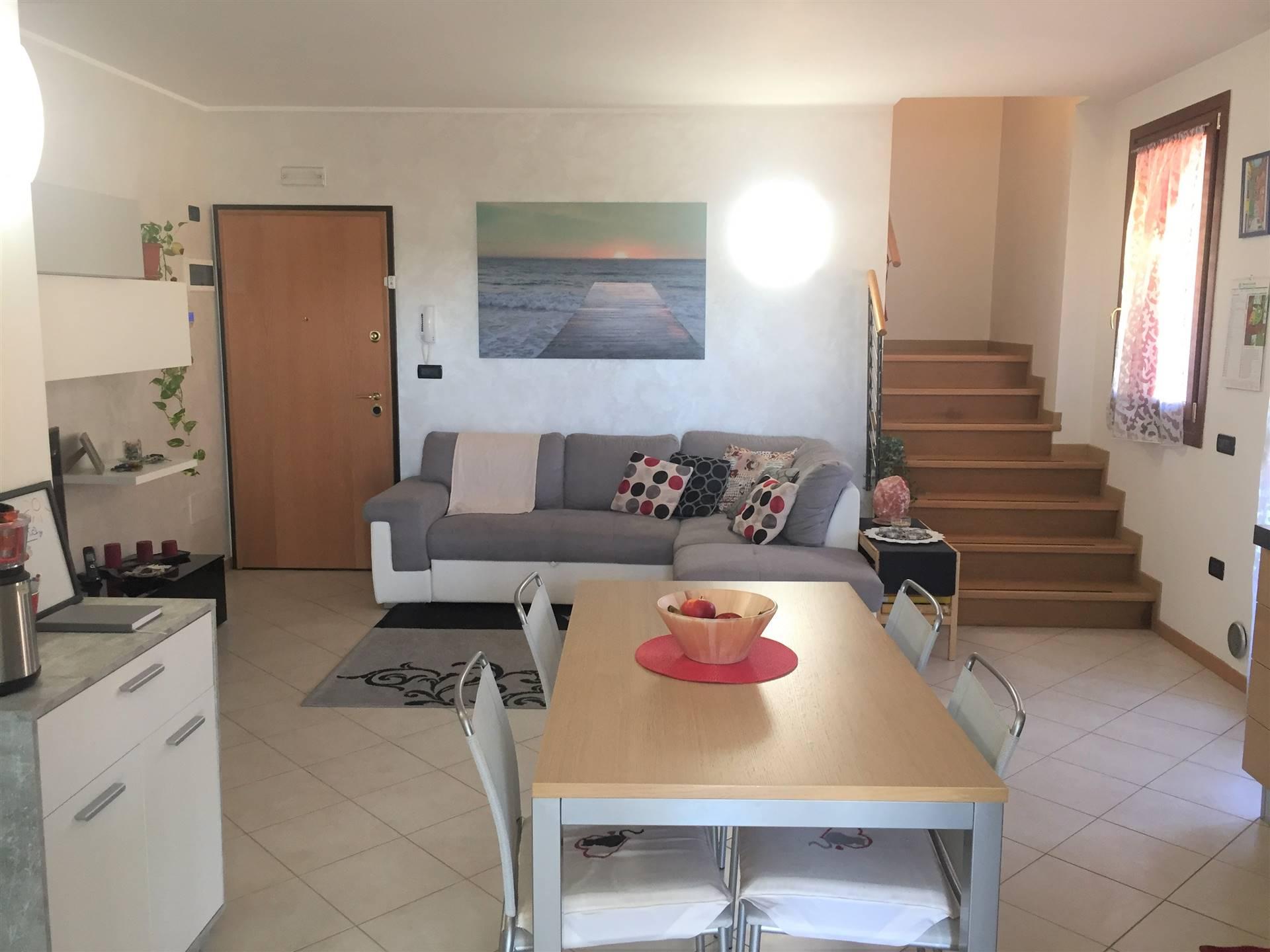 Appartamento in vendita a Martellago, 5 locali, zona ne, prezzo € 139.000 | PortaleAgenzieImmobiliari.it