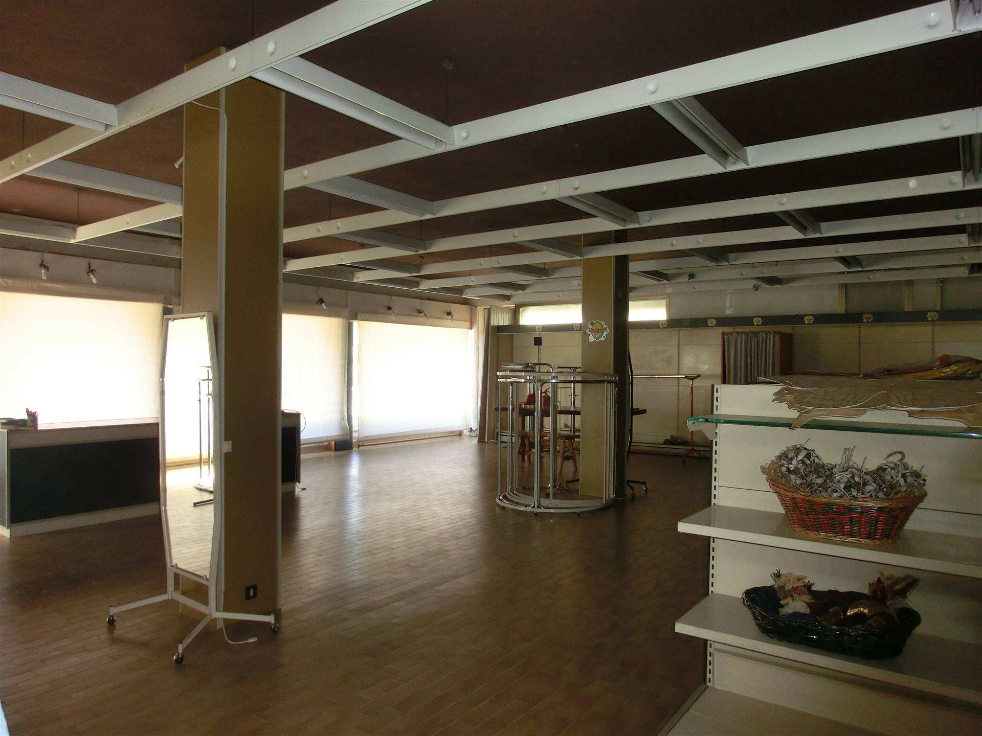 Ufficio / Studio in vendita a Scorzè, 4 locali, zona Zona: Peseggia, prezzo € 200.000 | CambioCasa.it