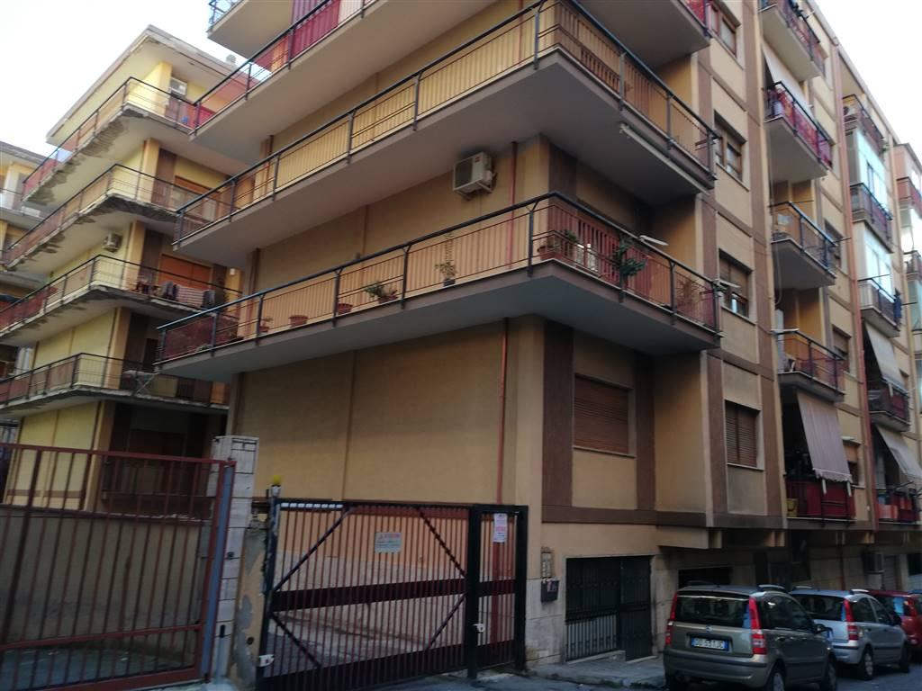 Quadrilocale in Via Manfroce Trav. Iii De Nava 7, S. Caterina, Reggio Calabria
