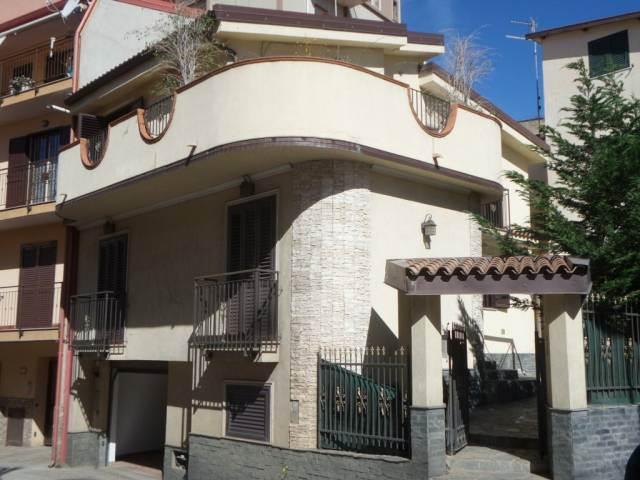 Villa in Via Reggio Campi Tronco 2 155, Centro, Reggio Calabria