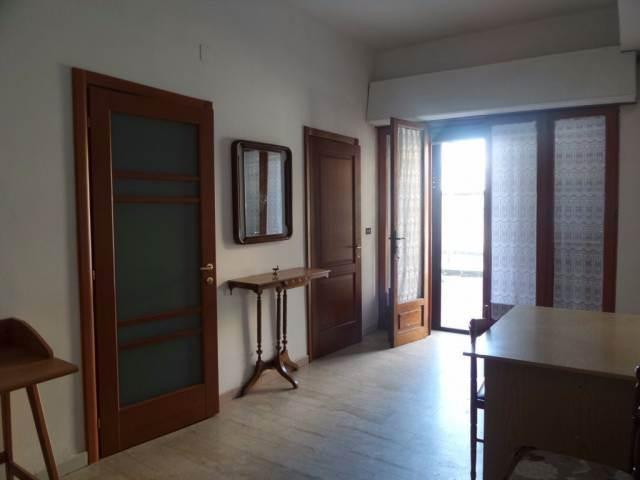 Trilocale in Vicolo Soccorso a Mare 8, Viale Aldo Moro, Reggio Calabria