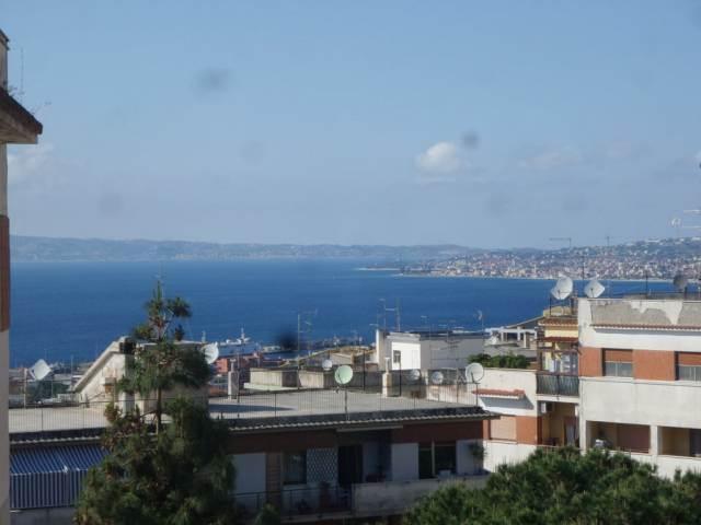Appartamento in vendita a Reggio Calabria, 5 locali, zona Zona: Centro, prezzo € 280.000 | CambioCasa.it